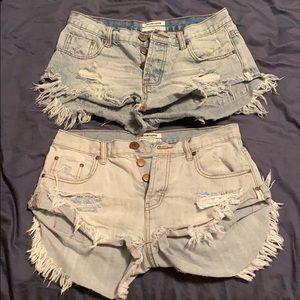 One Teaspoon Jean shorts 2 Pairs!! Size 27